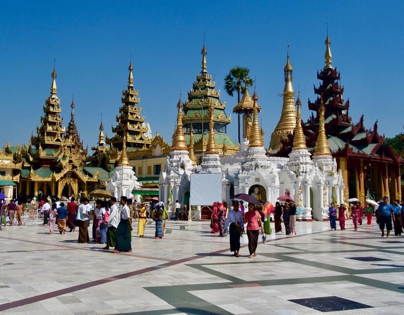 Shwedegon Pagoda in Yangon