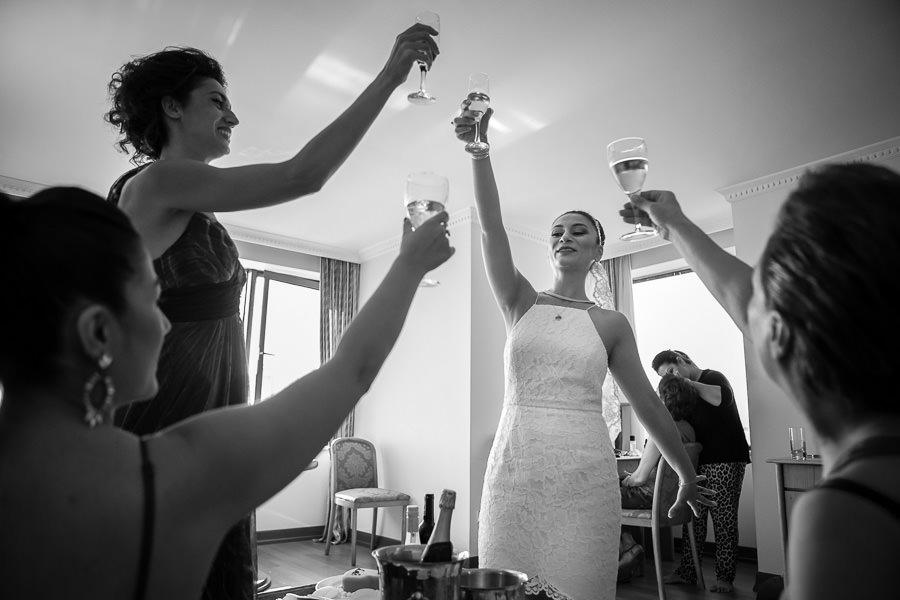 belgesel düğün fotoğrafçısı doğru anda doğru kareyi yakalayabilir