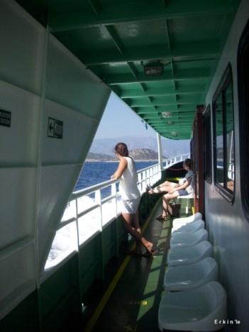 Samos feribotunda seyreyle gözüm ufku