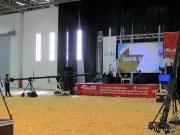Televizyon kanallarının çekim yaptıkları alan aynı zamanda konuşmacıların kullandıkları sahne