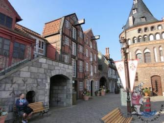 Hansapark Eingangsbereich Nachbau Lübeck