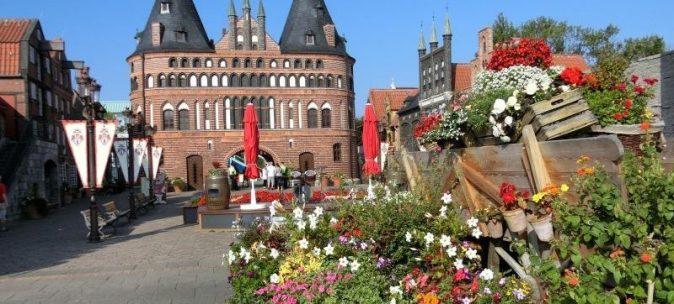 Hansapark Holstentor Eingangsbereich
