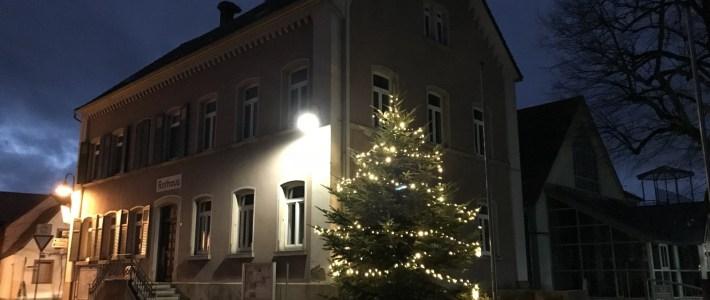 DANKE! für 480 LED Leuchten und den diesjährigen Gemeinde – Christbaum
