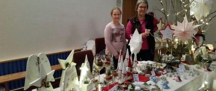 Gemütliche Stunden beim kleinen Weihnachtsmarkt vom Kreativtreff