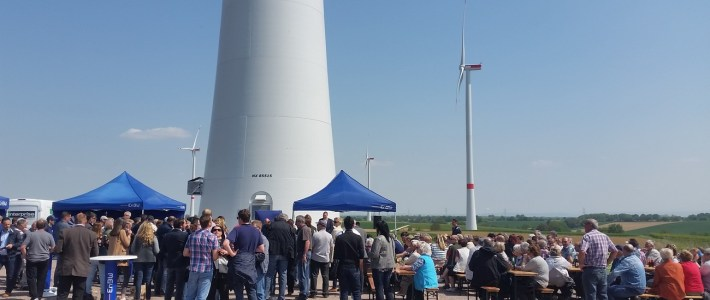 Die Gemeinde Erlenbach folgt der Einladung zur Windpark Einweihung in Freckenfeld