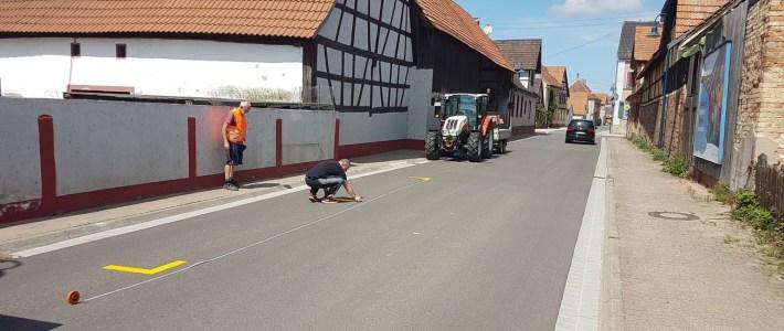 Testphase der neuen Parkbuchten in der Ortsdurchfahrtsstraße hat begonnen