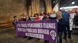 La manifestación comarcal de pensionistas reunió en Durango a más de 1.500 personas