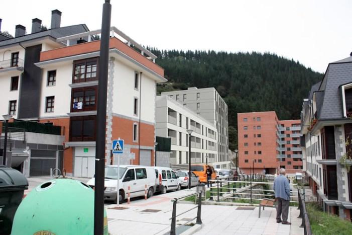 Familias de Abeletxe solicitan una solución al Gobierno vasco