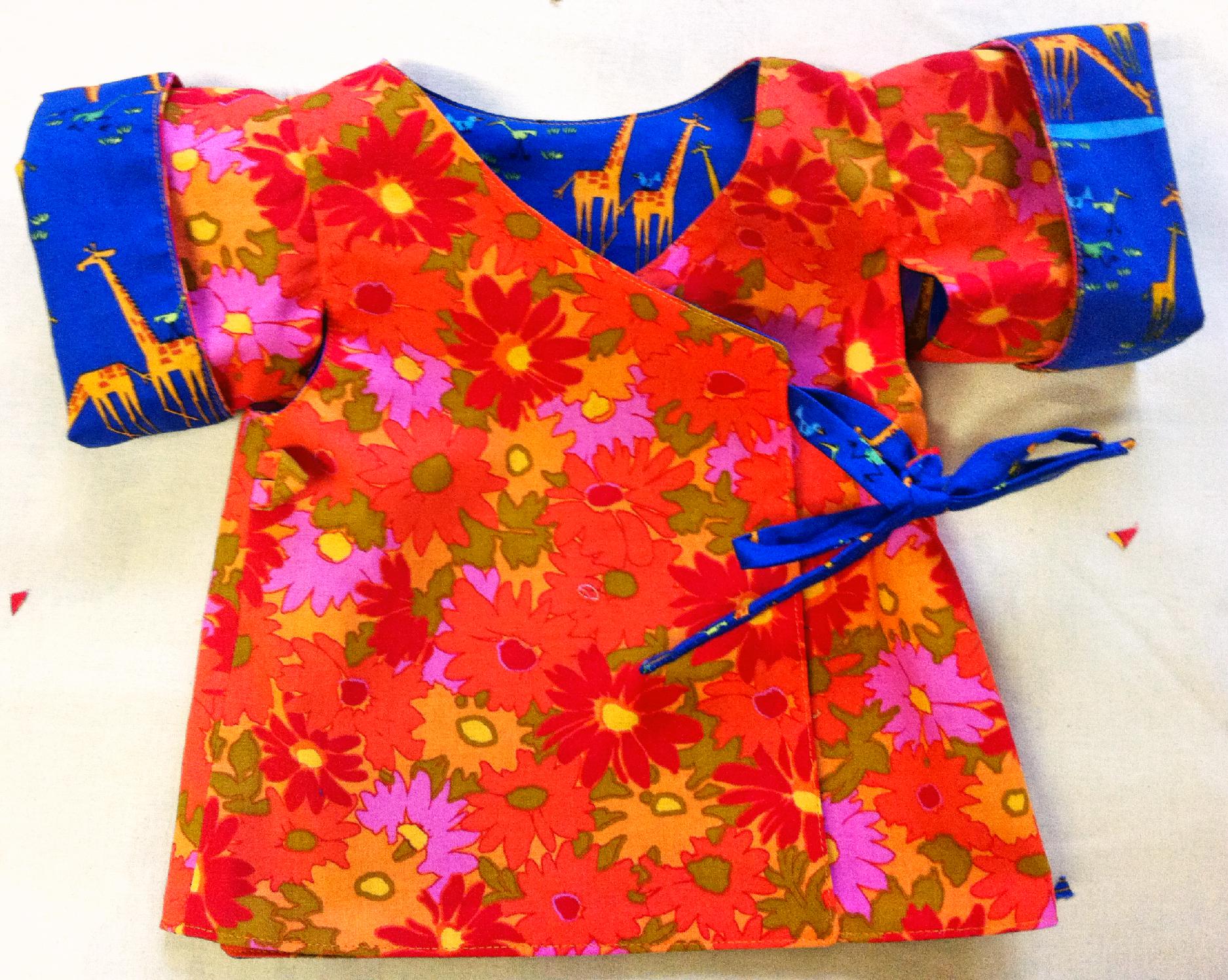 erna und gustav Cloud9Fabric Giraffe Safari Kimono Bluse