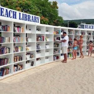 Biblioteche in spiaggia, il sogno di chi legge