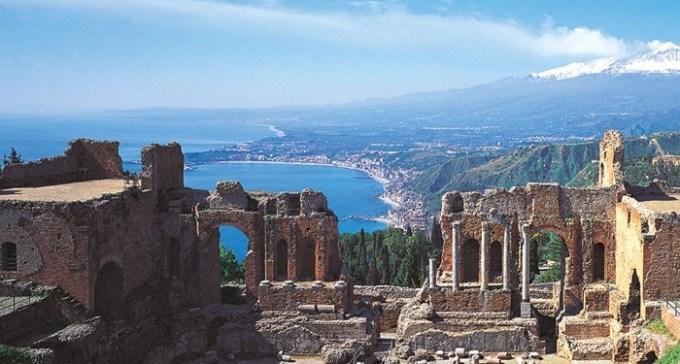 Cosa vedere a taormina perla siciliana eroica fenice - La finestra sul mare taormina ...