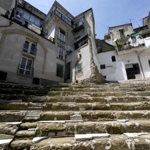 antico teatro neapolis