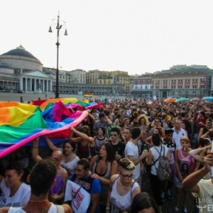 Gay Pride a Napoli: Amore, Diritti e Scuola