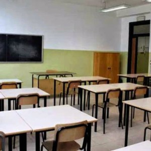 Furto e vandalismo in una scuola di Materdei