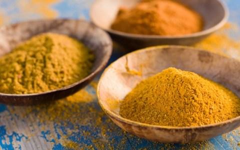 10 motivi per cui scegliere il curry: tipologie e proprietà