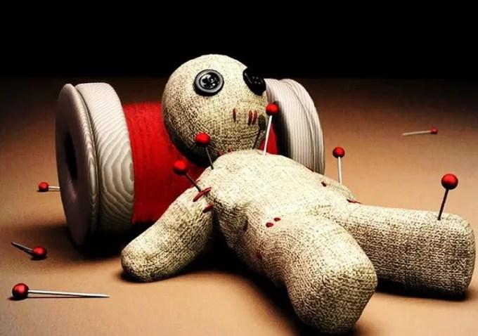 Bambole voodoo. Origini, culto e rituali