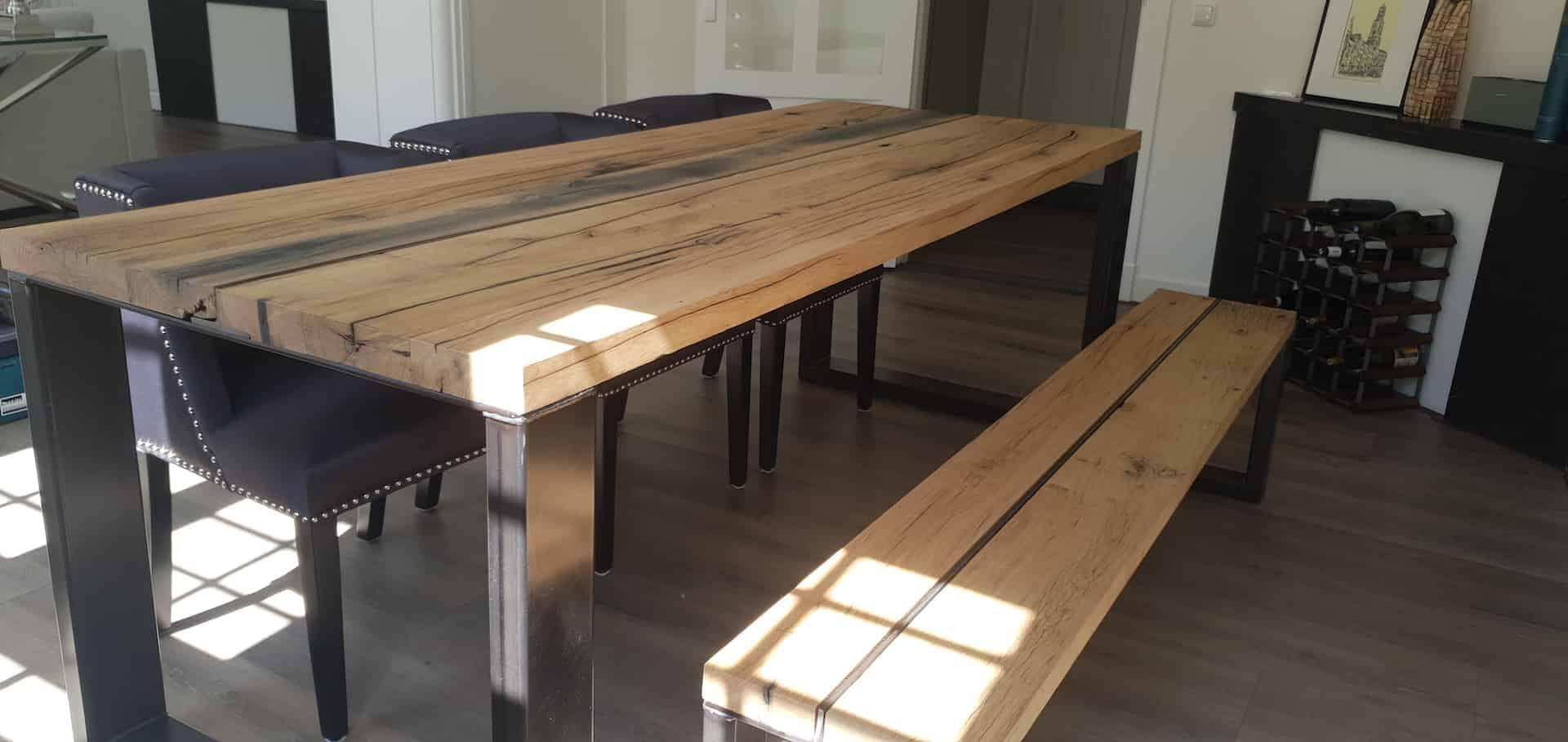 Eiken houten eettafelset met stalen U-poten