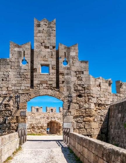 16-Day Trip to Athens, Santorini, Heraklion & Rhodes