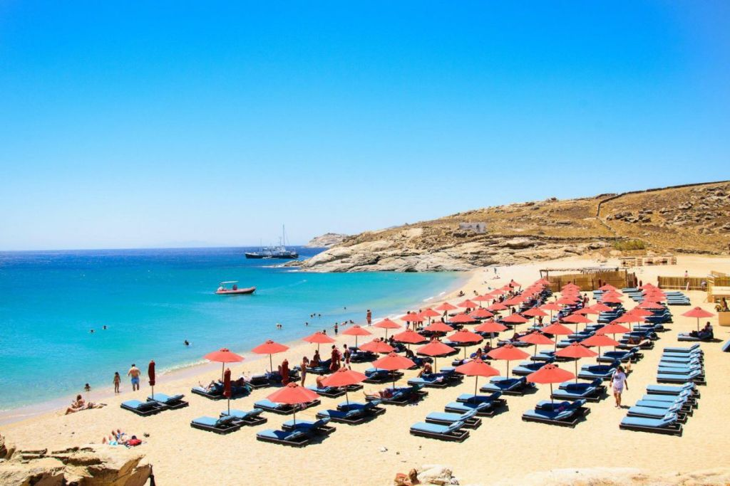 lia-beaches-for-couples-in-Mykonos