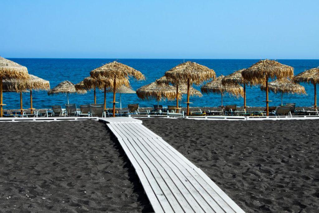 black-beach-santorini