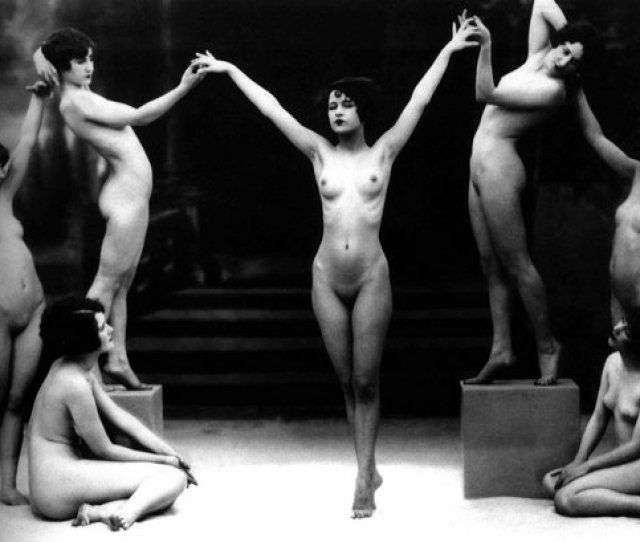 3 Responses To Seven Vintage Art Nudes