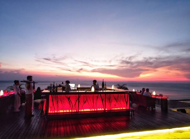Intercontinental sunset bar