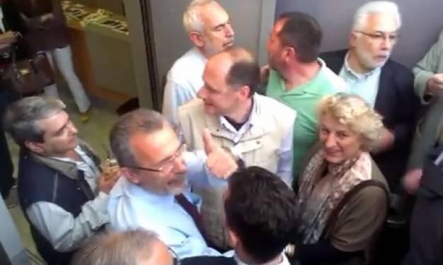 «Θερμή» υποδοχή στον Παντελή Καψή από τους εργαζόμενους της ΕΡΤ (βίντεο)