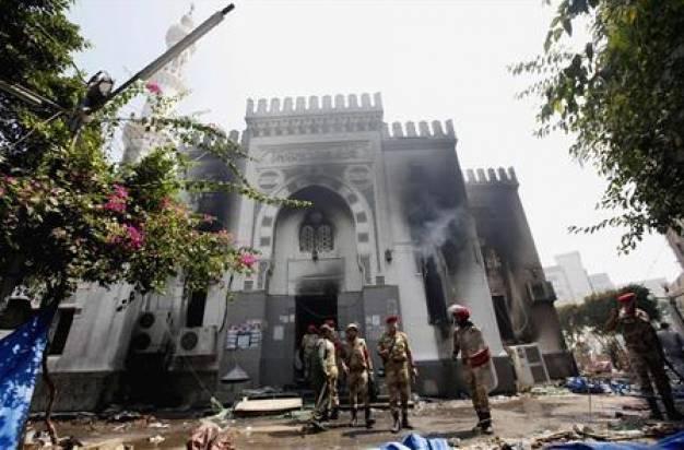 Αίγυπτος: Ξεπέρασε τους 500 νεκρούς ο αιματηρός απολογισμός των εμφύλιων συγκρούσεων