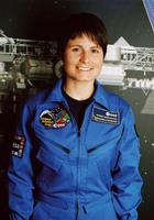 La vincitrice del premio 'Casato Prime Donne' 2010, il tenente Samantha Cristoforetti, primo e unico astronauta italiano donna