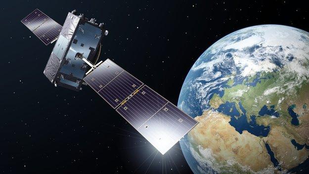 Galileo_satellite_in_orbit_large.jpg