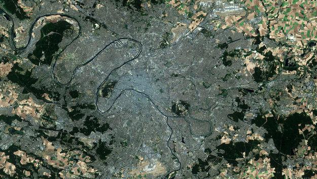 Paris_in_focus_large.jpg