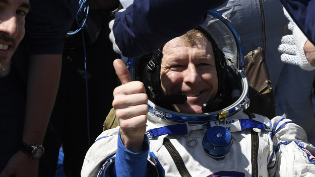 Tim_Peake_after_landing_large.jpg