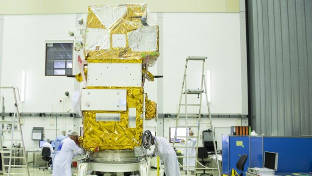 Sentinel-2B_in_the_cleanroom_large.jpg