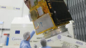 Sentinel-2B_satellite_at_ESA_s_site_in_the_Netherlands_small.jpg