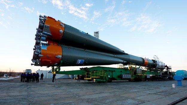 Soyuz_spacecraft_roll_out_large.jpg