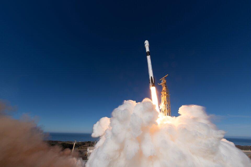 Decolagem do satélite de monitorização do nível