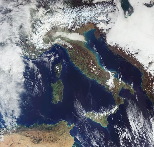 Heavy snowfall in the Alps has been recorded over the past weeks. The Copernicus Sentinel-3 mission captured this image of the snow-covered Alps on 14 December.