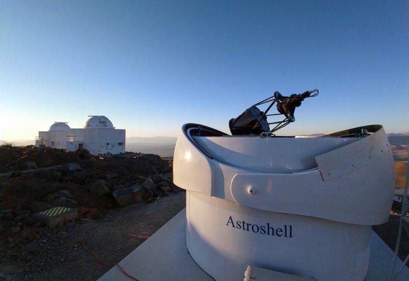 ESA s Test Bed Telescope 2 at ESO s La Silla alongside other telescopes article - O mais novo telescópio da ESA no lado Sul do Planeta em busca de Asteróides