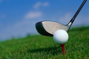 Piadas para crentes [40]: Moisés, Jesus e um velhinho jogando golfe