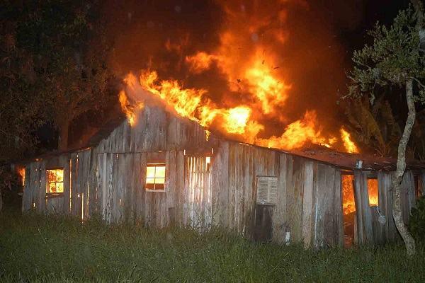 Ilustrações Cristãs - E se Deus queimasse a sua casa?