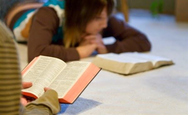 Os 4 benefícios de quem lê a Bíblia todos os dias