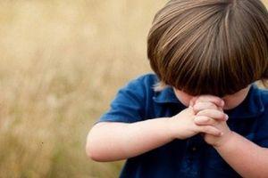 10 dicas para ajudar seu filho pequeno a se comportar na igreja