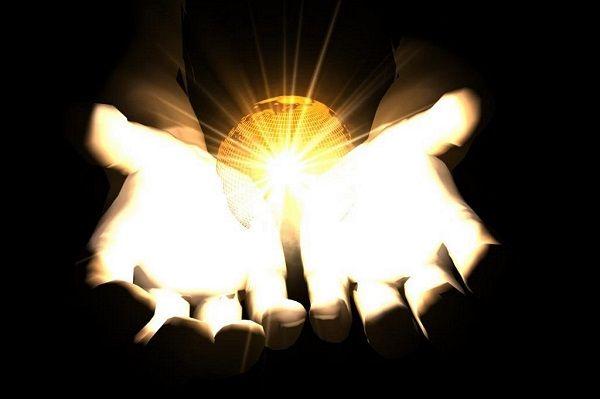 Como Deus criou a luz antes de ter criado o sol, a lua e as estrelas?