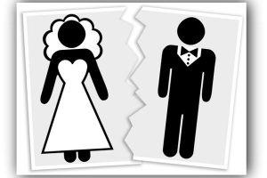 Em que casos a Bíblia permite o divórcio de um casal?