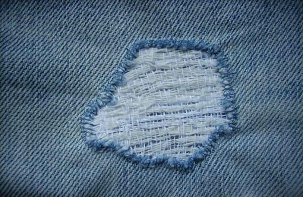 Resultado de imagem para remendos em calças velhas