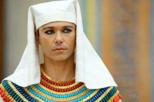 Por que José do Egito foi esquecido pelo faraó mesmo tendo feito tanto pelo Egito?