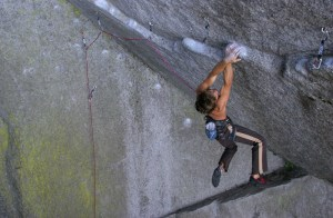 Chris Sharma encadena Dreamcatcher9a en Squamish – Canadá