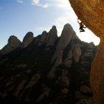 Jordi Salas escalando en Montserrat