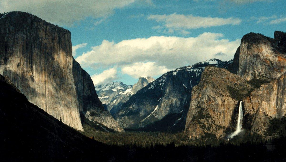 Alex Honnold realiza en freesolo la ruta Freerider 7c+/5.12d El Capitan - Yosemite