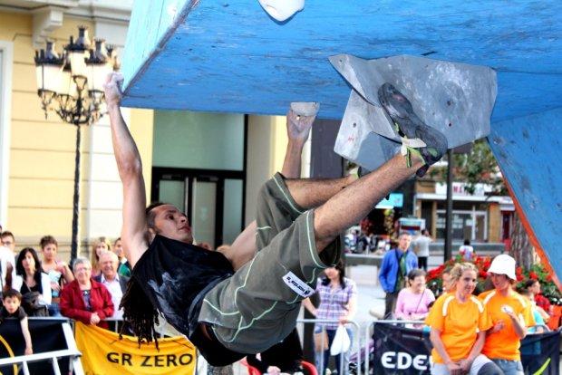 Carlos Catari Campeón de Catalunya de Escalada en Bloque 2011